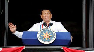 رئيس الفلبين يقول إنه لن يسعى إلى ولاية أخرى