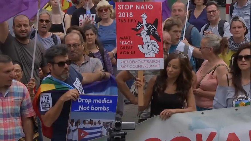 مظاهرات تجتاح بروكسل ضد قمة الناتو وحضور ترامب