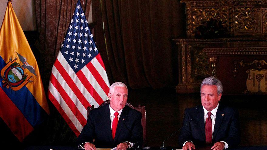 El presidente ecuatoriano, Lenín Moreno, junto al Vicepresidente de EEUU