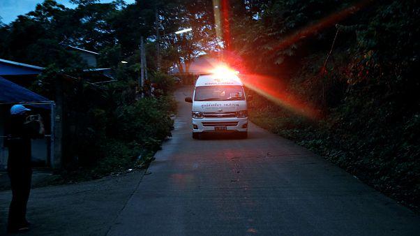 Ταϊλάνδη: Απεγκλωβίστηκαν τα πρώτα τέσσερα παιδιά από το σπήλαιο