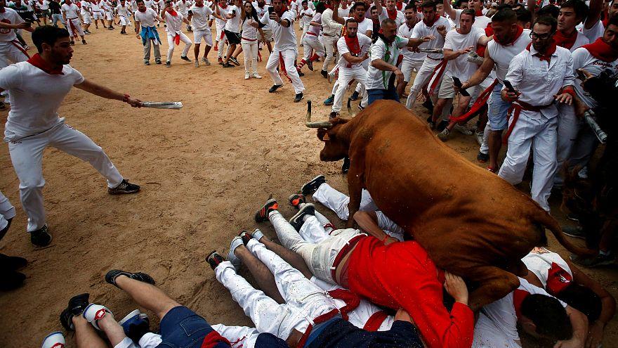 At least three people hurt in Pamplona bull run