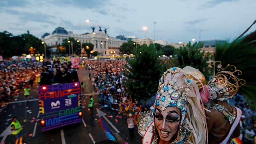 Espanha comemora 40 anos de 'orgulho gay'