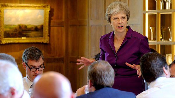 Η Τερέζα Μέι στην πρωθυπουργική κατοικία Τσέκερς
