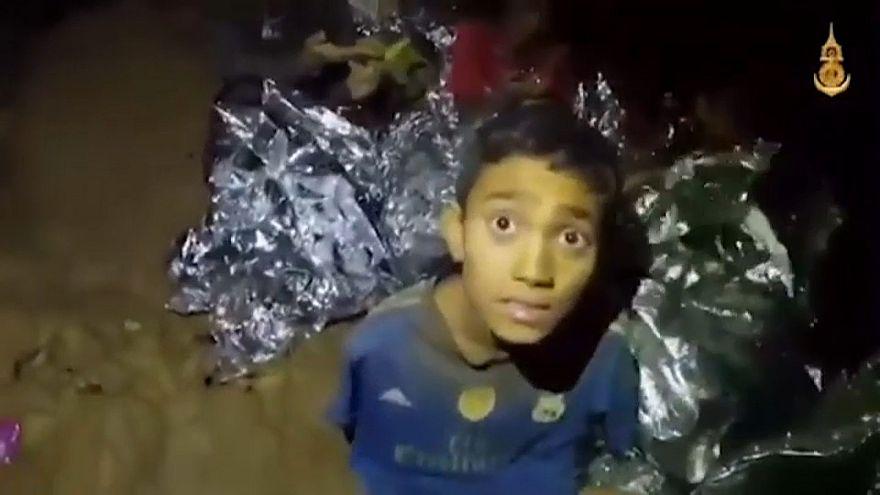 Tayland'da mağaradan kurtarılan çocukların saysı 8'e yükseldi