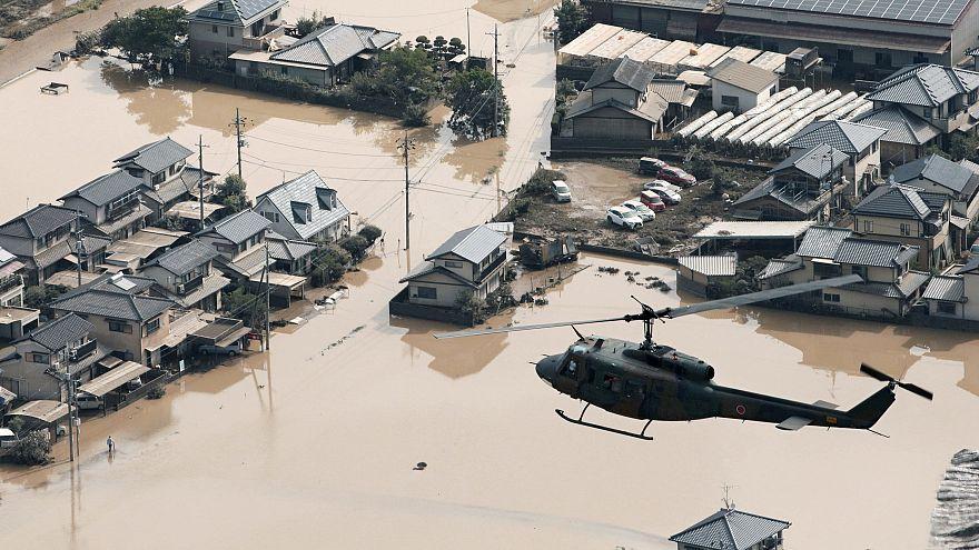 Sobe para mais de 100 o número de vítimas nas cheias do Japão