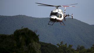 Suspenden el rescate tras sacar a ocho niños de la cueva inundada en Tailandia