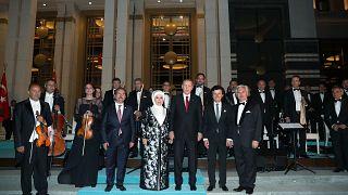 Siyaset ve sanat dünyası tarihi günde Erdoğan'ı yalnız bırakmadı