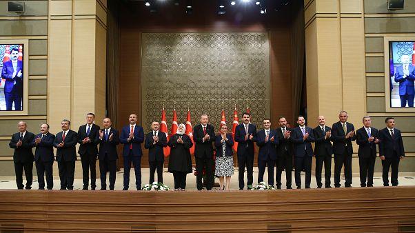 'Yeni Türkiye'nin ilk kabinesi görevde
