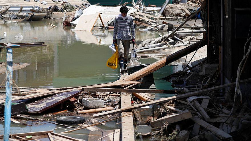 Япония: число жертв тайфуна растёт