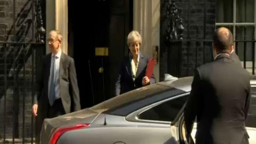 May estrena Gabinete y retoma las riendas del Brexit