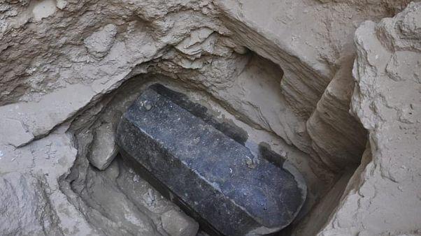 Mısır: İnşaat için temel kazacaklardı, 2 bin yıllık lahit buldular