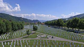 Srebrenitsa Soykırımı 23. yılında anıldı, 35 kurban toprağa verildi