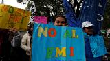 """Les Argentins défilent pour dire """"non"""" au FMI"""