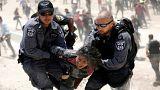 الشرطة الإسرائيلية تعتقل فتاة فلسطينية(خان الأحمر البدوية-الضفة الغربية)