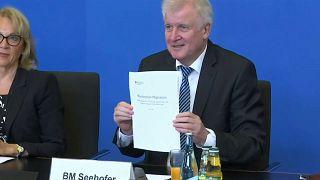 Seehofer presenta su plan maestro antiinmigración