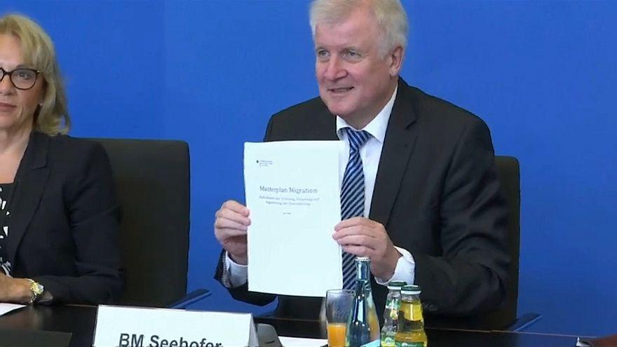 Ministro do Interior alemão apresenta masterplan para a migração