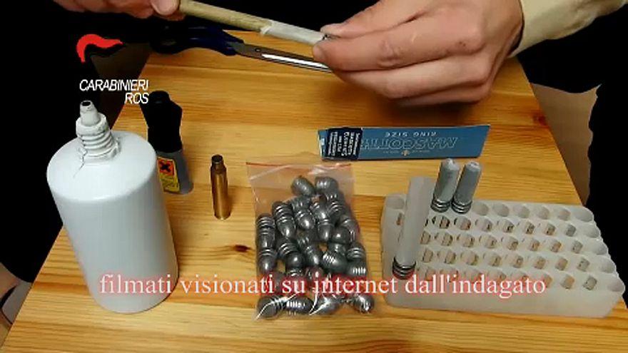 Részlet az egyik lőszerkészítést bemutató videóból