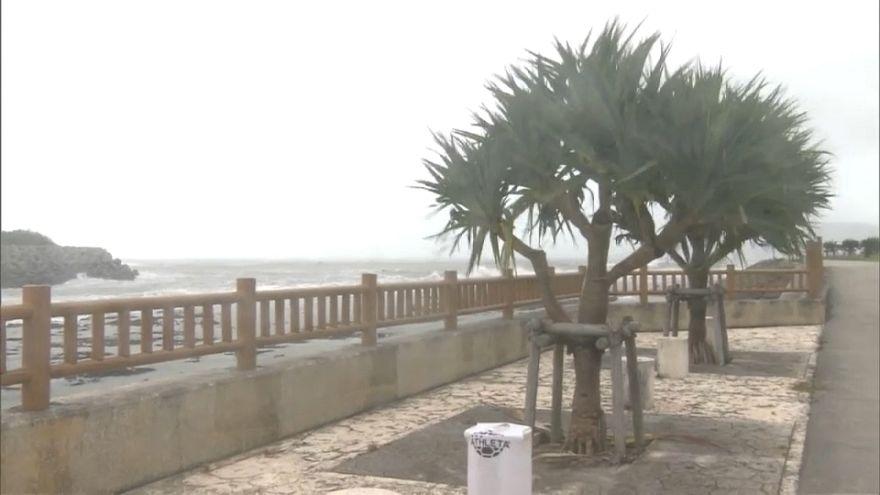 Tufão Maria castiga ilhas japonesas