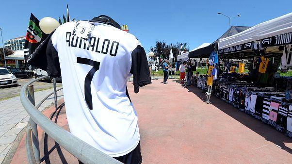 Real Madrid'in yıldız oyuncusu Ronaldo Juventus'a transfer oldu