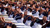 Kirúgással fenyegetik az indiai rendőröket, ha nem fogynak le