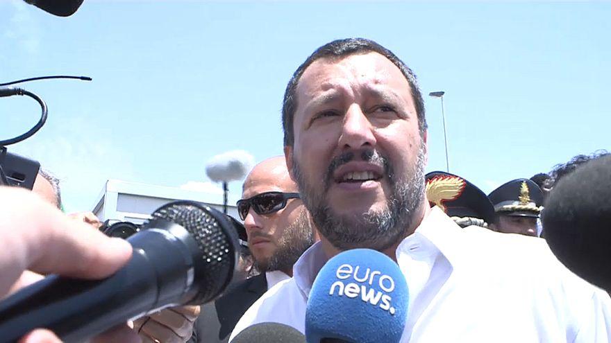 Salvini tra selfie, confische alla mafia e scintille di Governo