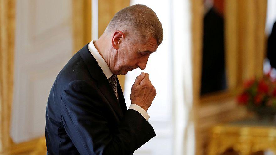 Új kormányt választ a cseh parlament