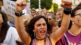 من المظاهرات الإسبانية التي خرجت تنديداً بقرار المحكمة في قضية الشابة