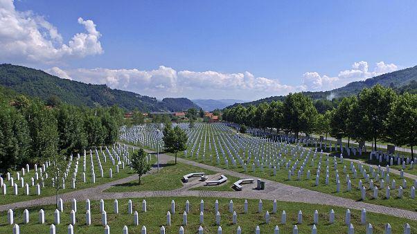 Srebrenica Anıt Mezarlığı, Bosna