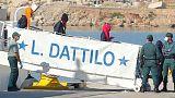 """Italiens Küstenwache schreitet bei Bergung ein """"um Crew zu retten"""""""