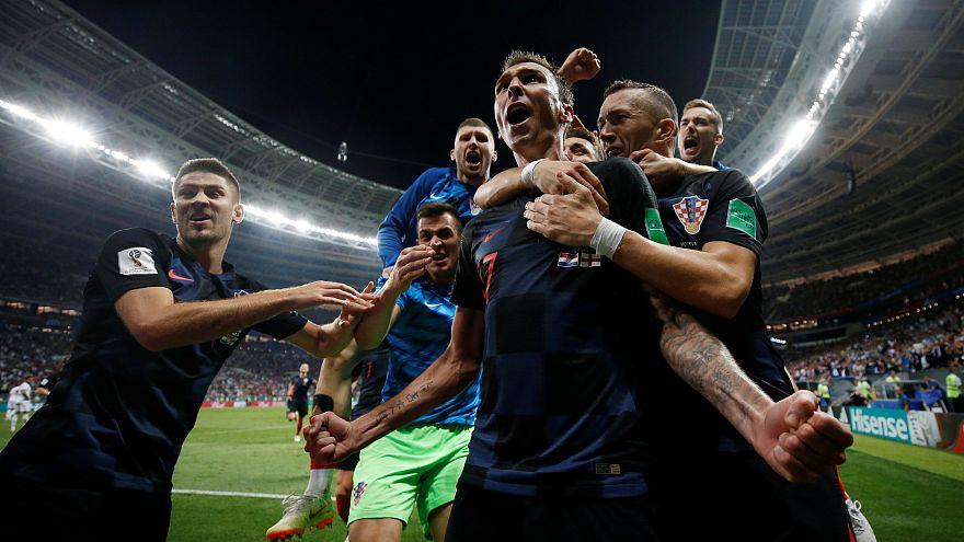 Kroatien schlägt England mit 2:1 und steht im Finale der WM