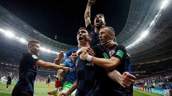 Croácia vence Inglaterra no prolongamento e está na final do Mundial