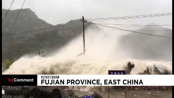Le typhon Maria s'abat le sud-est de la Chine
