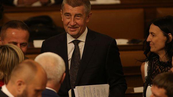 Kommunista támogatással alakult új cseh kormány