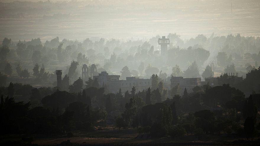 İsrail, Suriye ordusuna ait 3 yerleşkeyi vurdu