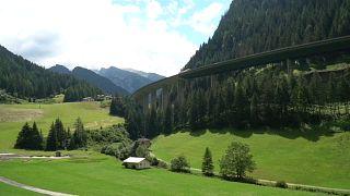 Áustria impõe controlo temporário nas fronteiras
