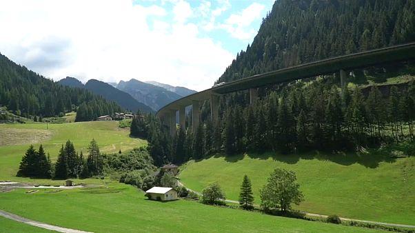 Ausztria tesztelte a szigorú határellenőrzést