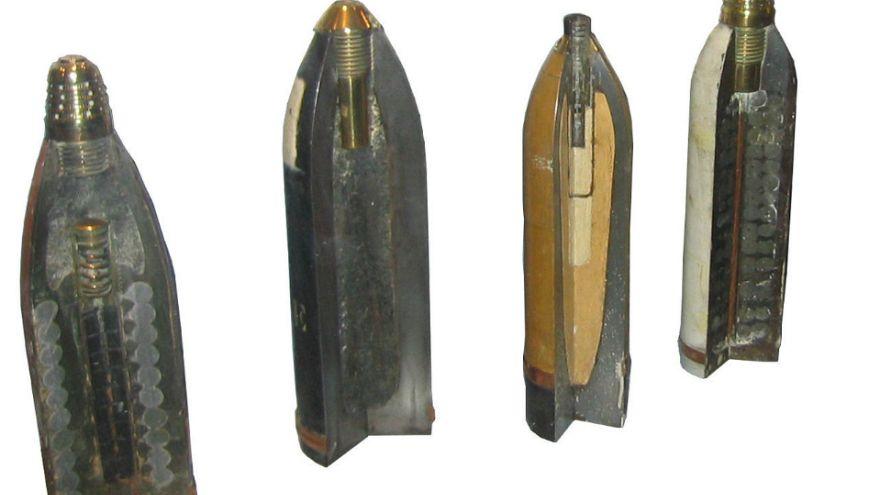گلوله توپ جنگ جهانی دوم در چمدان خانم گردشگر