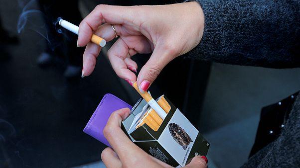 الشرقية للدخان ترفع أسعار السجائر في مصر