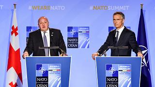 NATO Genel Sekreteri Stoltenberg ve Gürcistan Cumhurbaşkanı Margelaşvili