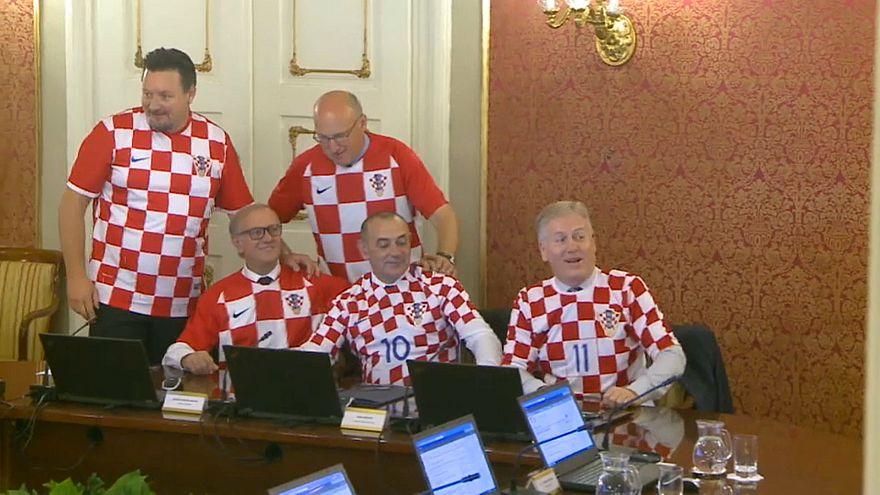 شاهد: كيف احتفلت الحكومة الكرواتية بصعود منتخبها لنهائي كأس العالم للمرة الأولى في تاريخه