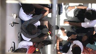 ده روز با کشتی آکواریوس؛ داستان نجات پناهجویان از دوربین یورونیوز