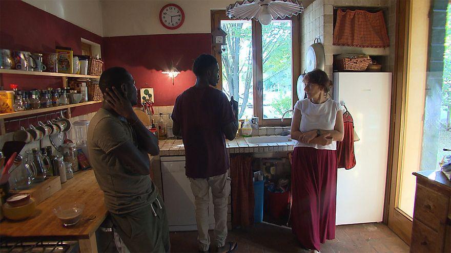 El mejor modelo de acogida de migrantes es una familia del norte de Italia