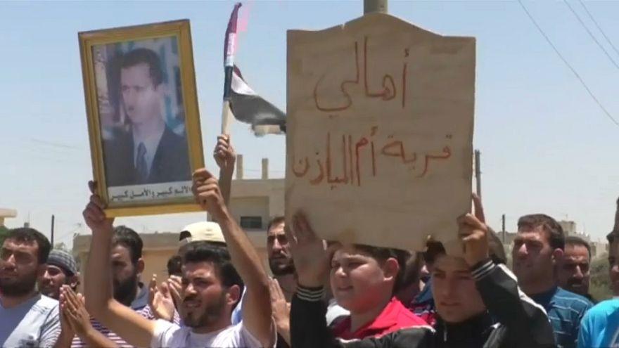Esad'ın birlikleri isyanın ilk başladığı Dera'ya girerek, Suriye bayrağını astı