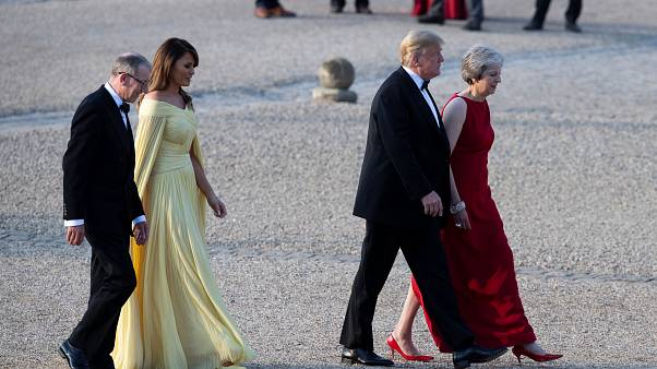 Трамп в Лондоне: настоящий и надувной