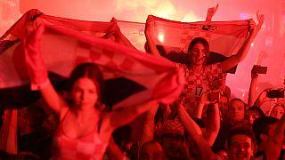 فیفا به شبکههای تلویزیونی: روی «زنان جذاب» زوم نکنید