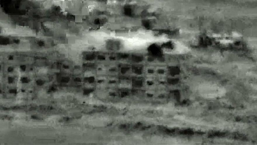 Koalisyon güçleri Suriye'de IŞİD'in kontrol ettiği bölgeyi vurdu: En az 28 ölü