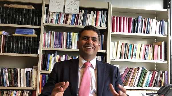 بروفايل: عمرو رياض..أزهري بجامعة لوفان البلجيكية..ينظّر للفكرالتنويري أكاديميا
