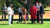 Philip May enseña a Melania Trump los secretos del bowls