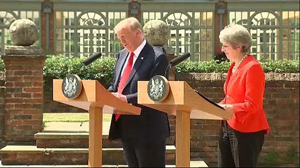 Trump nella campagna inglese con la May pensando a Putin