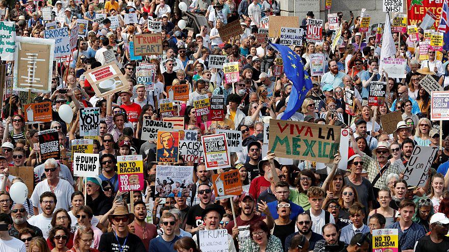 من المظاهرات في لندن